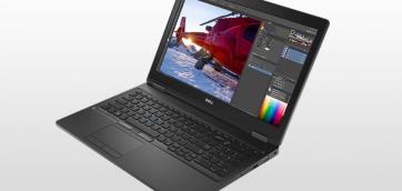 Dell Precision 15 5520 to 15,6 cala ekranu, elegancka obudowa, jakość 4K, czterordzeniowy procesor Intel Xeon 1505M v6, 32 giga pamięci ram, 1000 giga na dysku SSD, matowa matryca, system operacyjny Windows 10, czytnik kart pamięci, Bluetooth, podświetlana klawiatura, jeden port HDMI, dwa porty typu USB, niska masa własna i pojemna bateria